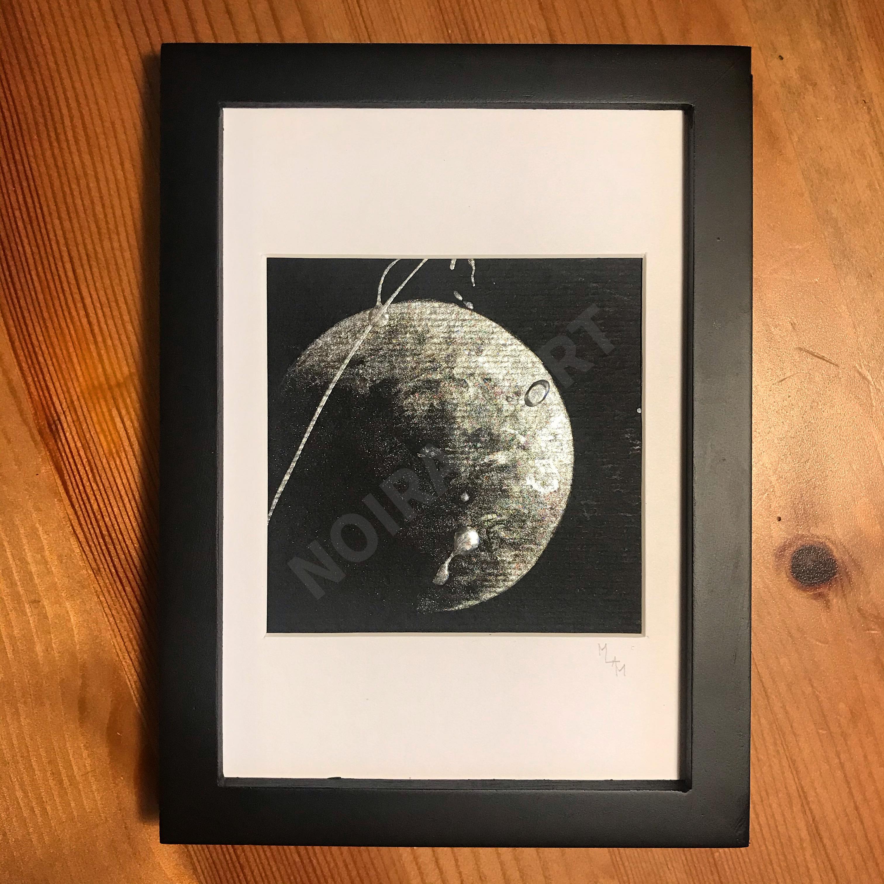 Aquarelle papier noir une minute avant le premier pas lune houston ovule fécondation satellite mlam noiram marion-lorraine poncet planète plante