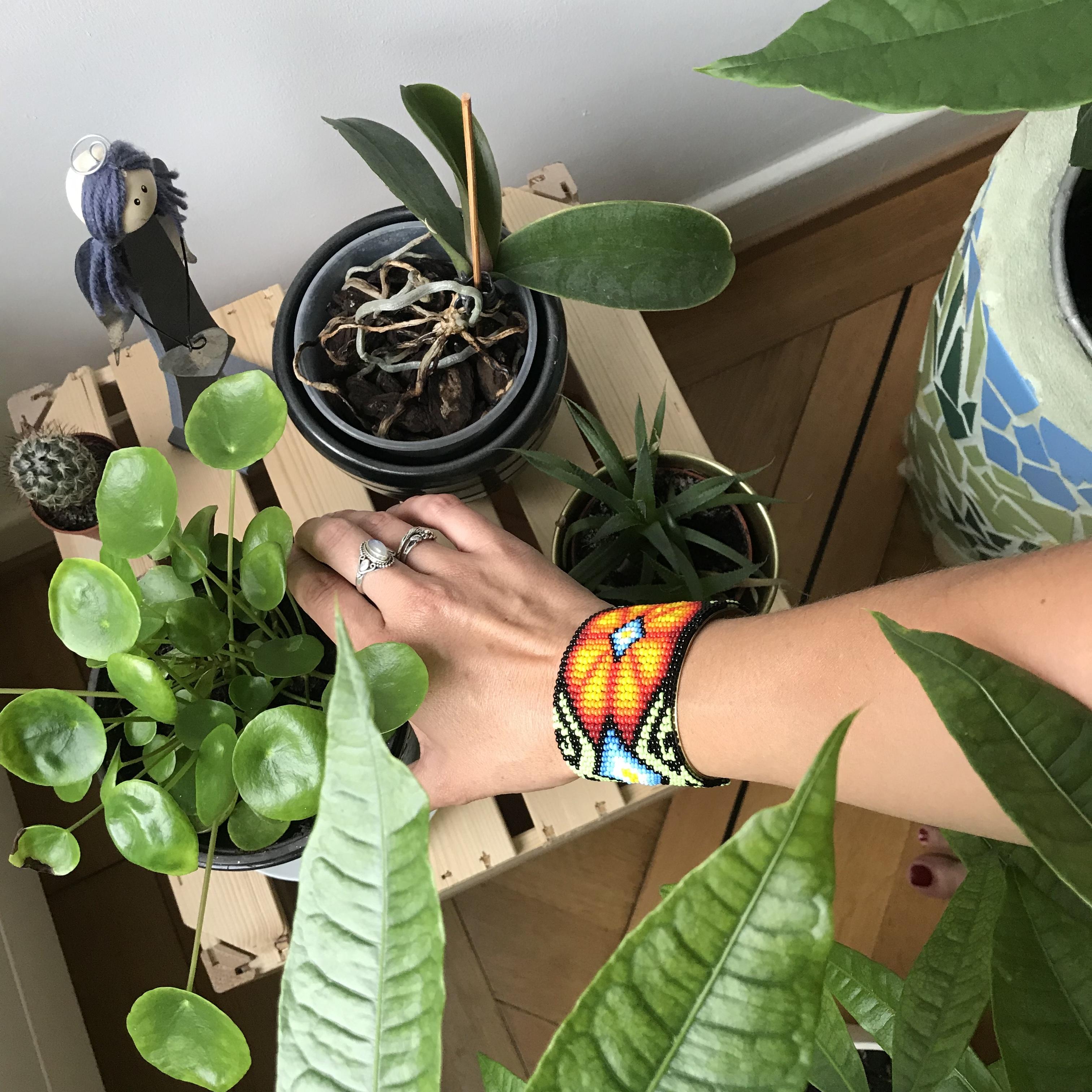 Bracelet chamanique, mlam, noiram, création organique, perles multicolores, plantes